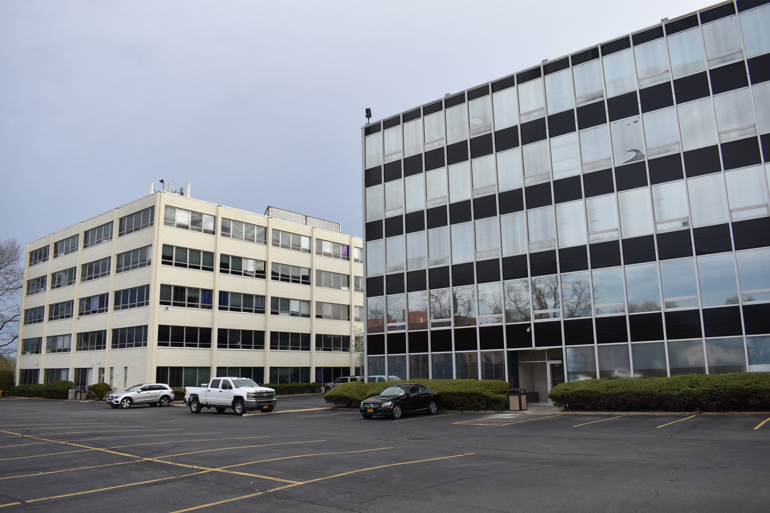 Investment firm buys Merrick Road office complex | Herald Community on
