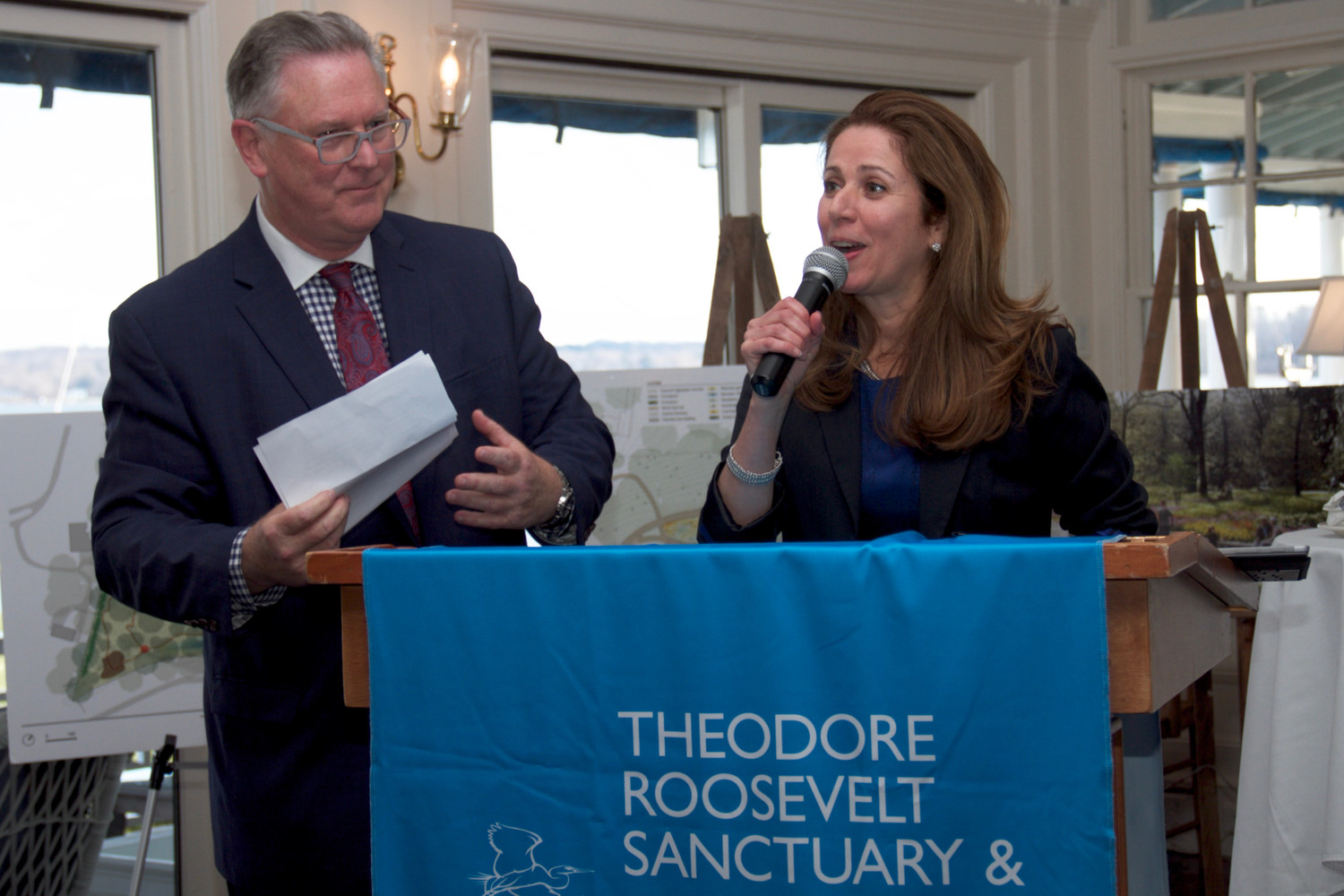 Ed Mohlenhoff, co-chair of the Theodore Roosevelt Sanctuary and Audubon Center's benefit, welcomed Audubon New York's Ana Paula Tavares, the organization's new executive director.