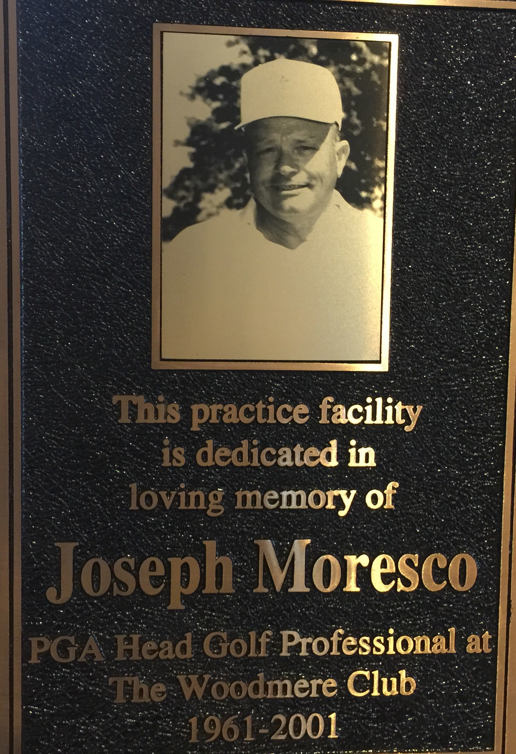 The Woodmere Club installed a plaque to honor longtime golf pro Joe Moresco.
