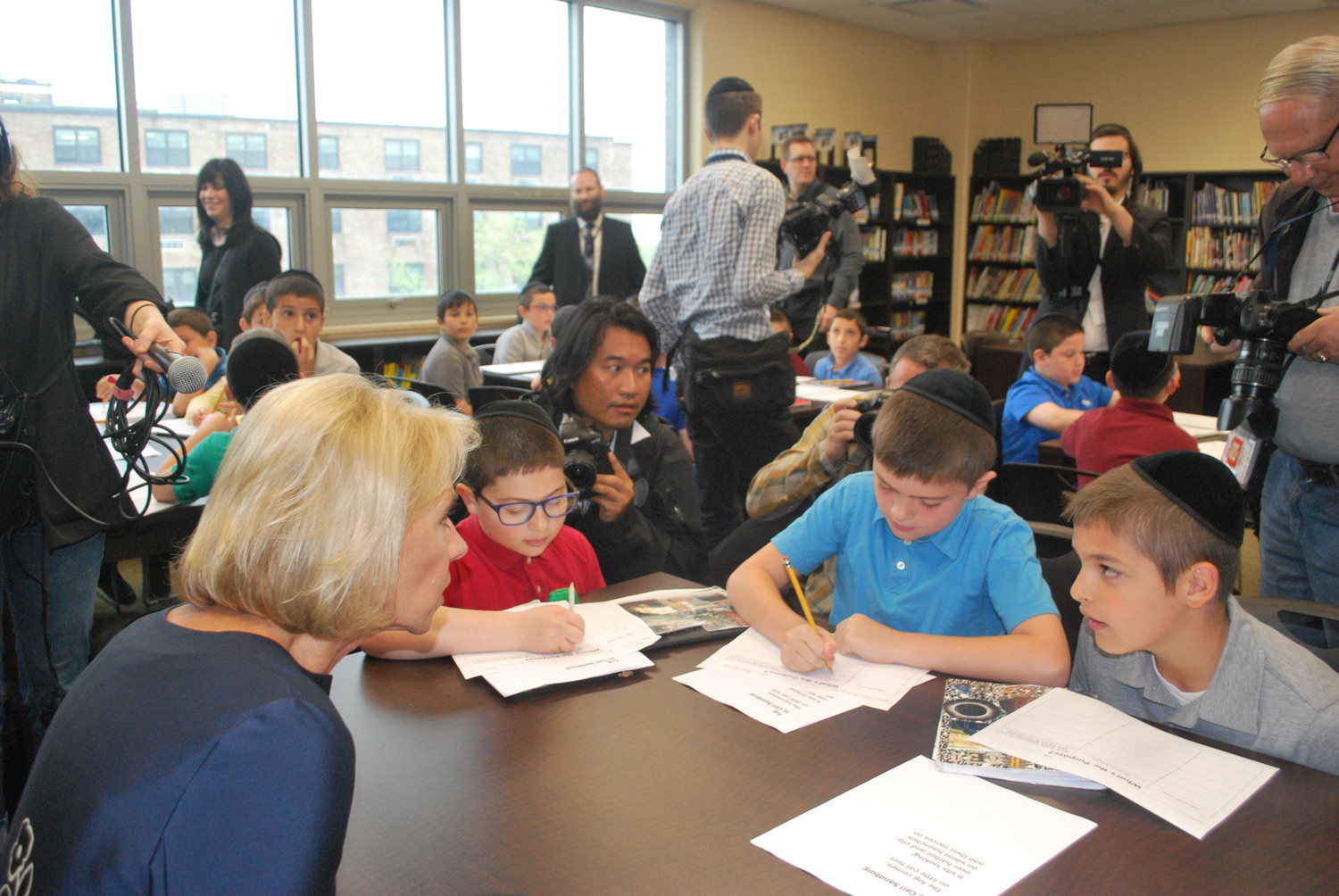 Darchei Torah students explained to Secretary of Education Betsy DeVos what they learned about poetry.