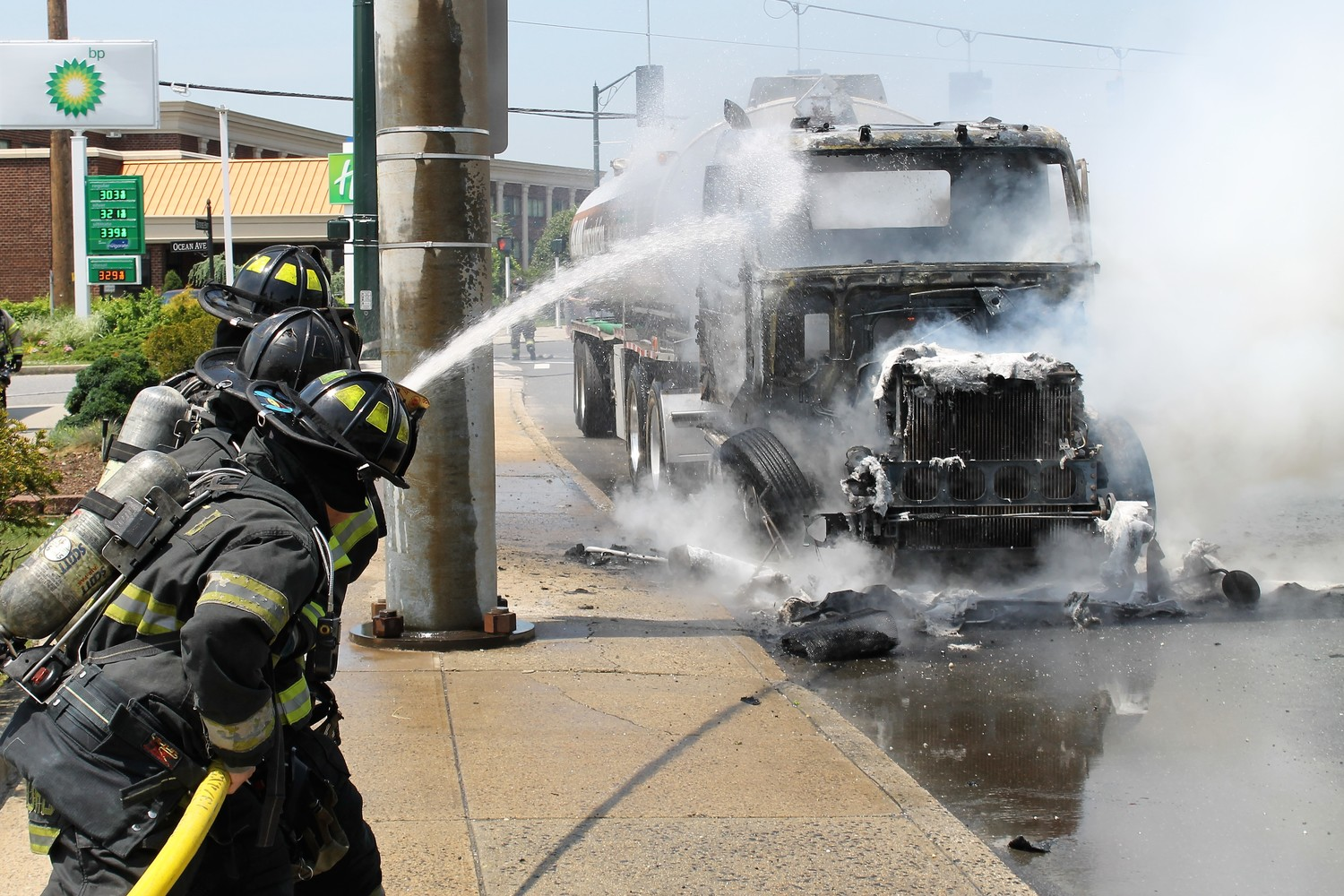 At around noon on Tuesday, a tanker truck caught fire on Tuesday morning at Sunrise Highway and Ocean Avenue.