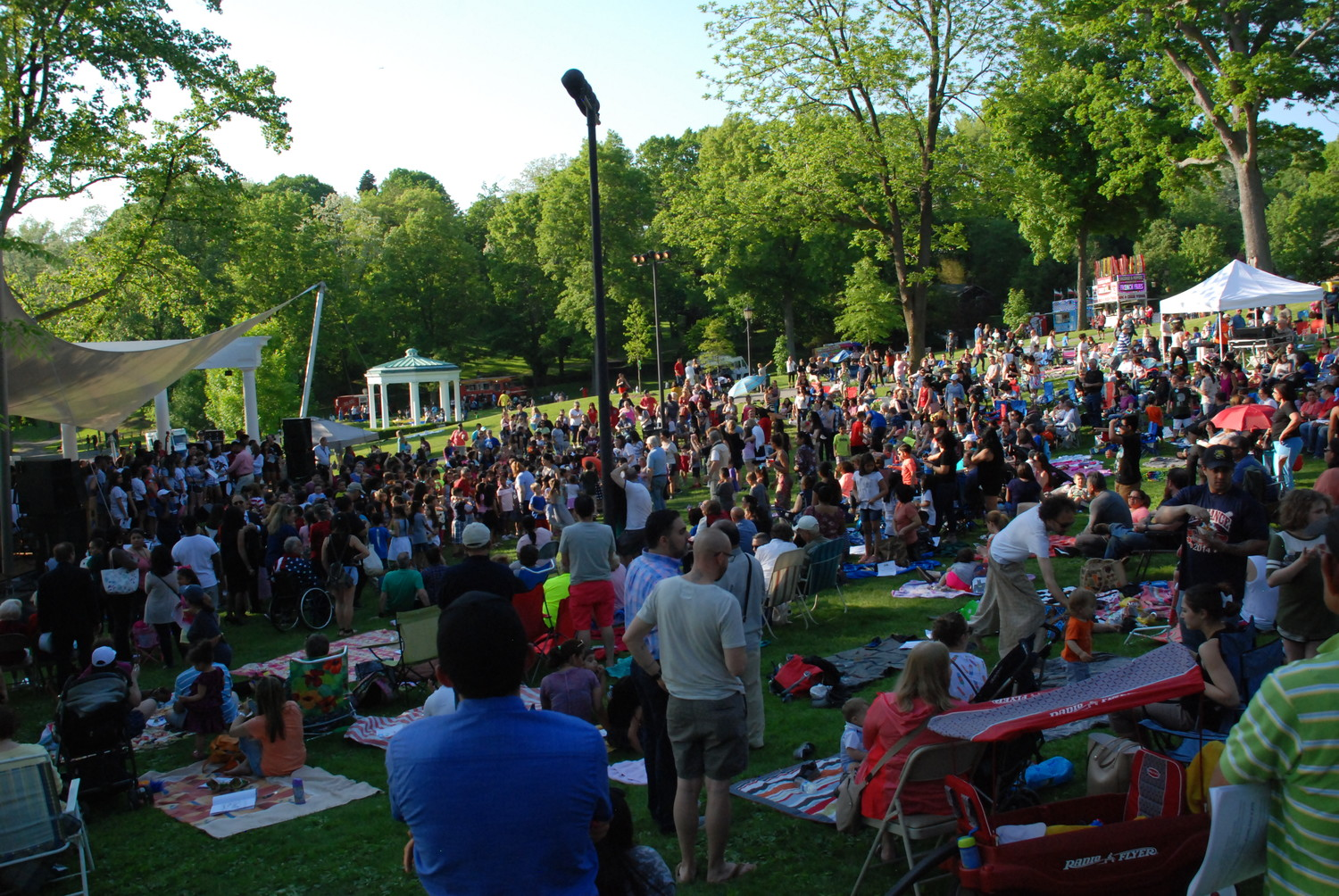 The 350th anniversary picnic and fireworks celebration drew large crowds to Morgan Memorial Park.