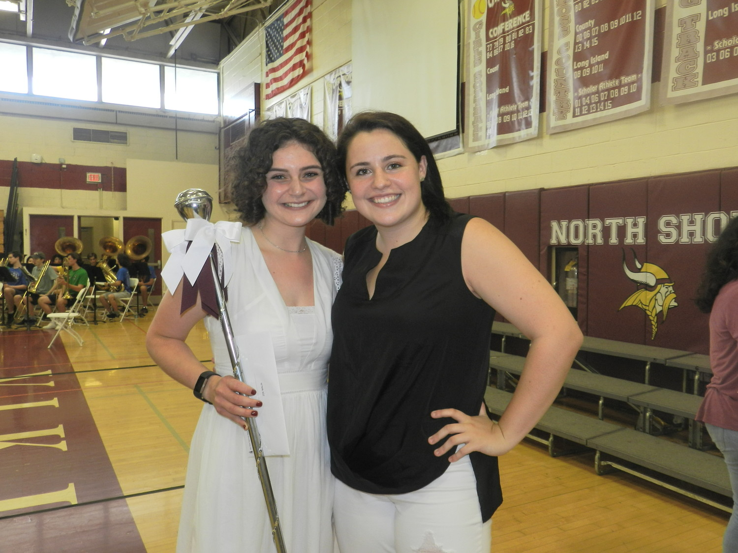 Sea Cliff resident Zoe Malin, left, received the Faculty Honor Award from former North Shore graduate Frankie-Lynne Conklin.