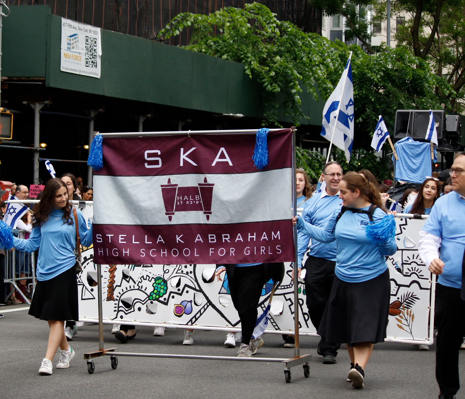 SKA students and faculty helped to represent the Hebrew Academy of Long Beach at the parade.