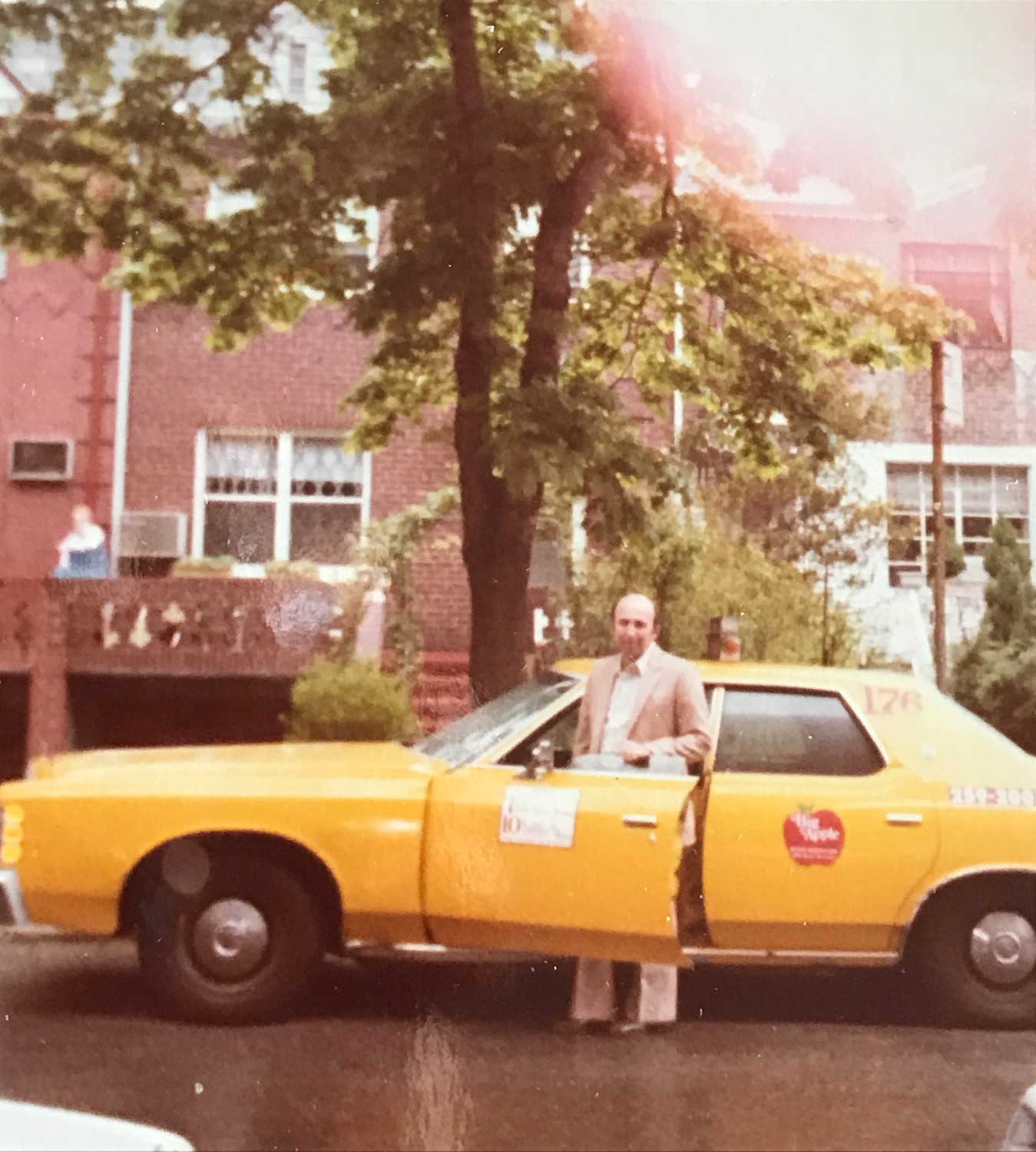 In Queens, Tibor Horovitz began a taxi service. He was well liked, and gave rides to celebrities including Muhammad Ali, actor and singer Eddie Fisher and Jacqueline Kennedy Onassis.