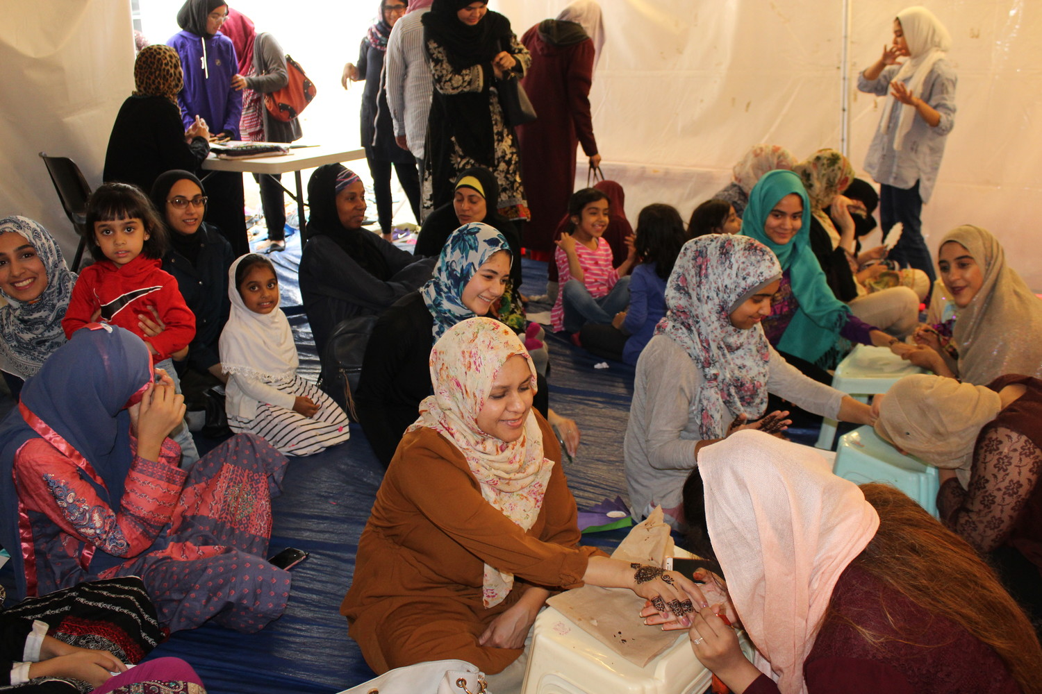 Masjid Hamza hosted a women and children's event before Eid ul-Fitr, during which women got henna tattoos.