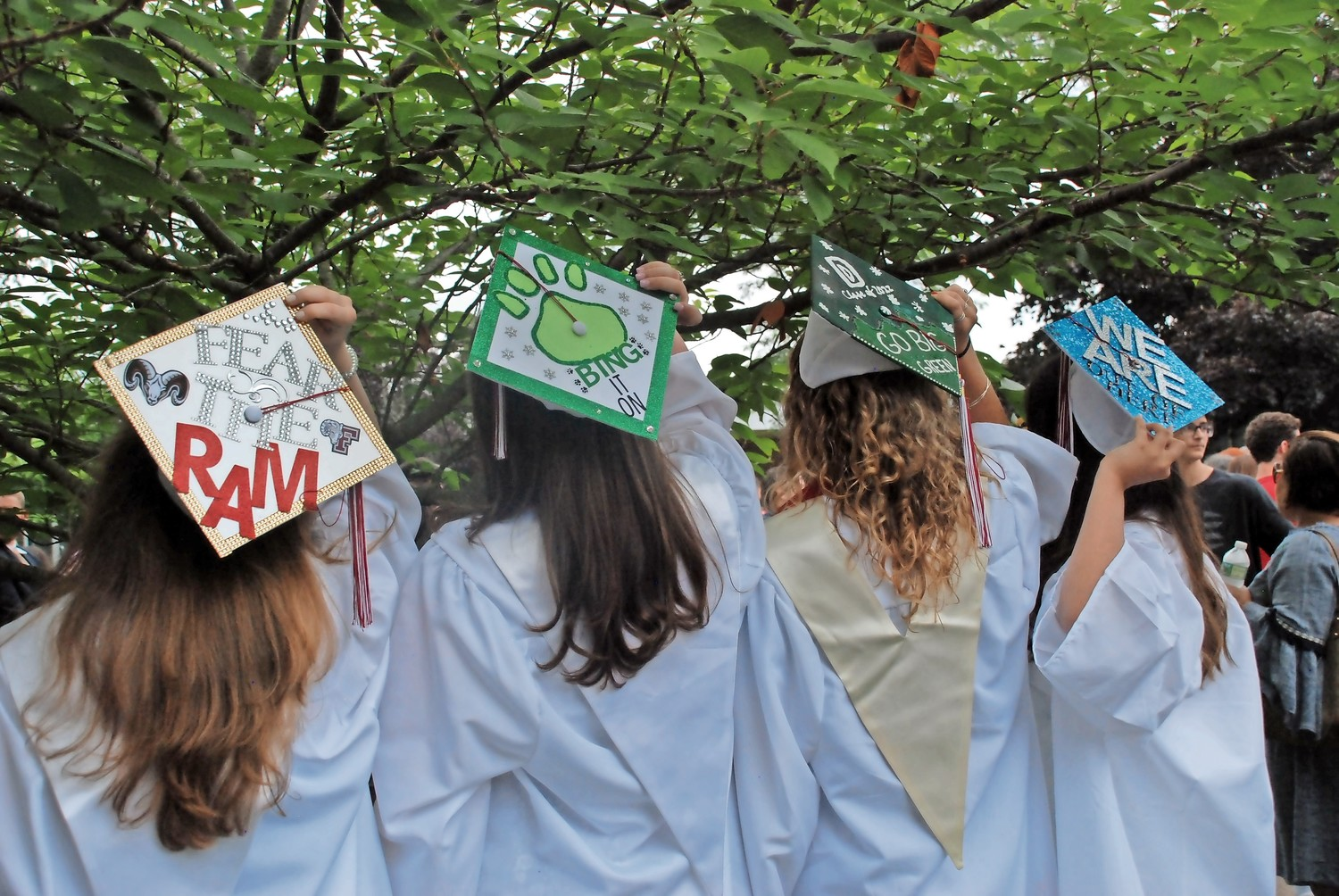 Seniors Eileen Quinn, Meagan Kearney, Izzy Glennon and Emma Grinberg turned their headgear into message boards.