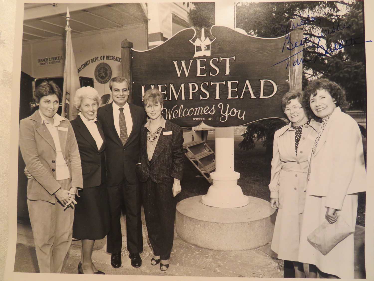 West Hempstead's newly installed welcome sign at Hall's Pond Park in 1985.