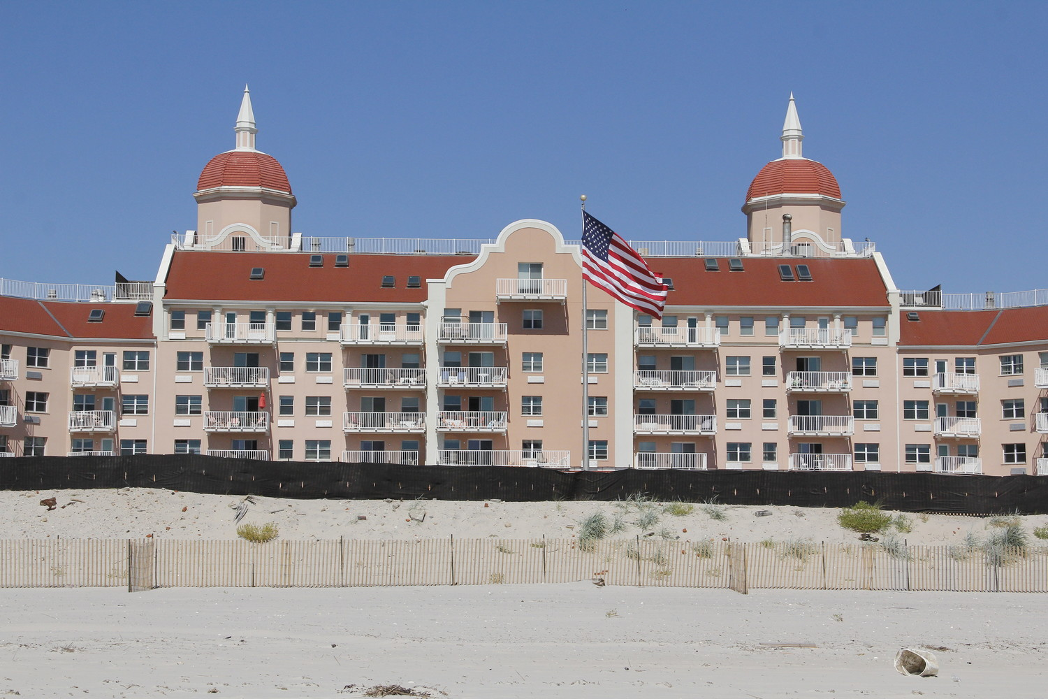 Some residents who live near the Lido Beach Towers Condominium are concerned about a potential gap in the sand replenishment outside the complex.