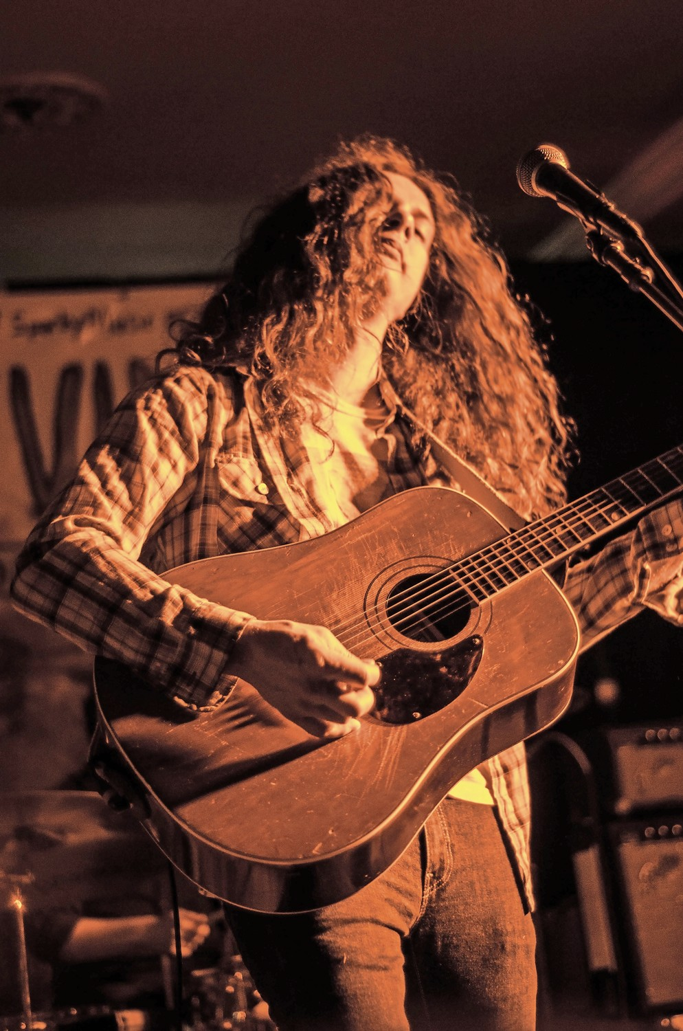 ndie rock singer, songwriter and multi-instrumentalist Kurt Vile headlined Shine A Light last year with his band, The Violators. Vile, the former lead guitarist of the acclaimed rock band The War on Drugs, is known for his solo work, and has released seven studio albums.