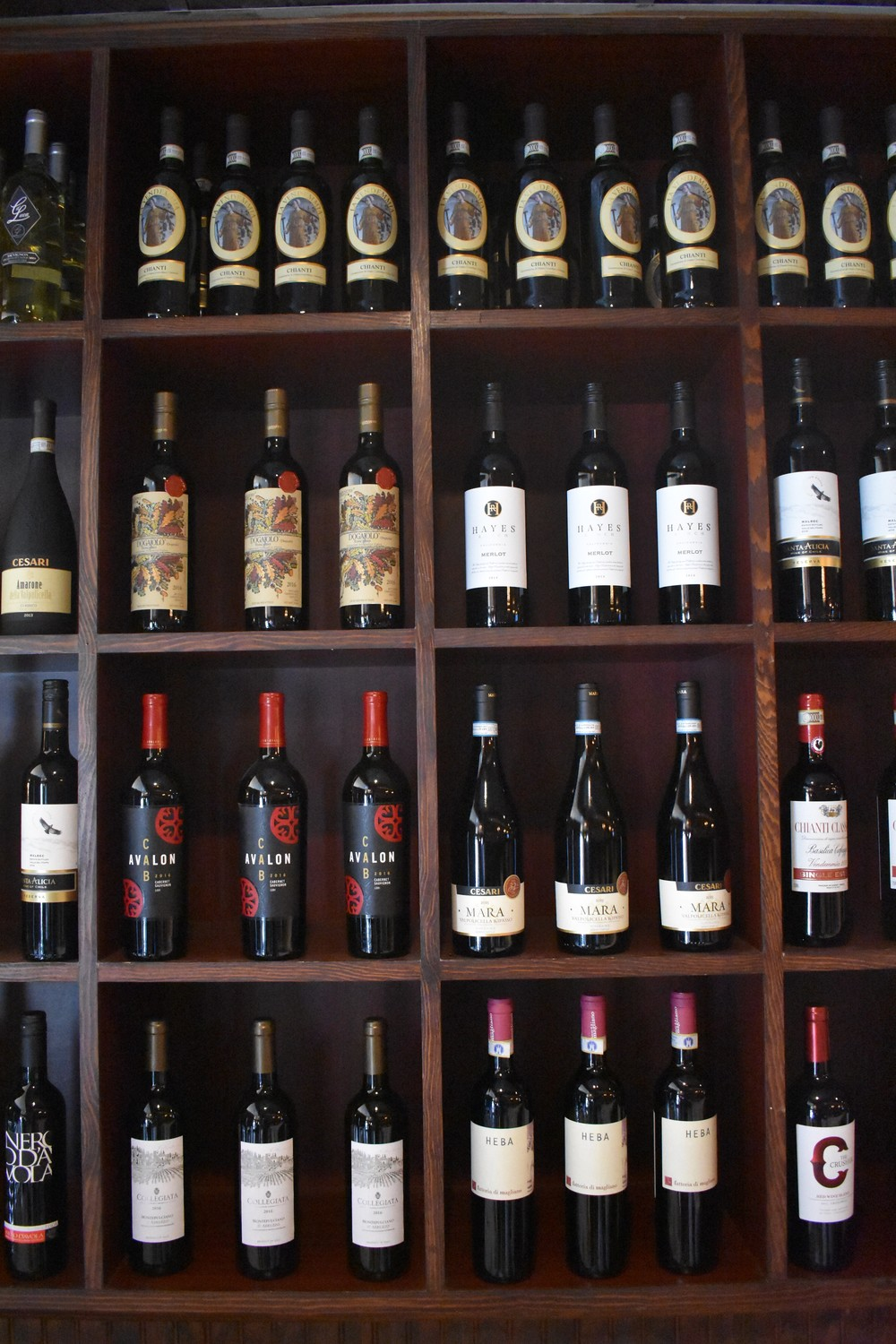 Twenty Four N. Park features red and white wines.