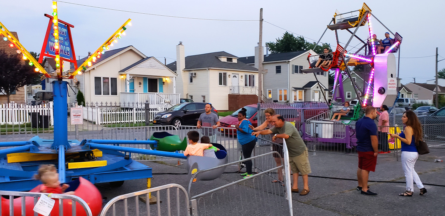 Aside from games and raffles, the festival featured amusement rides for the children.