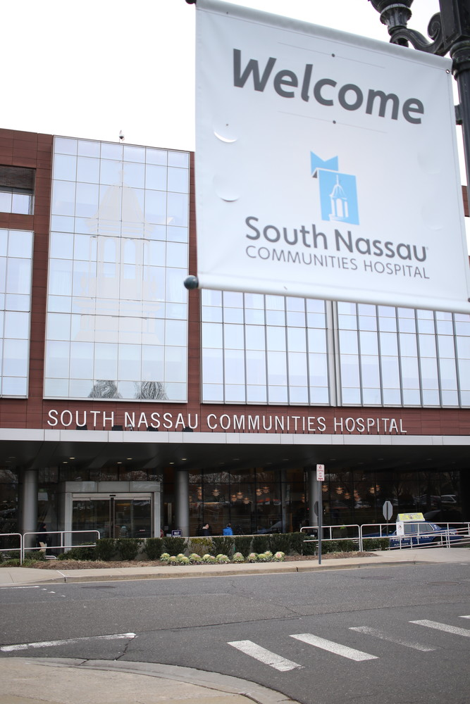 South Nassau expands medical residency program | Herald