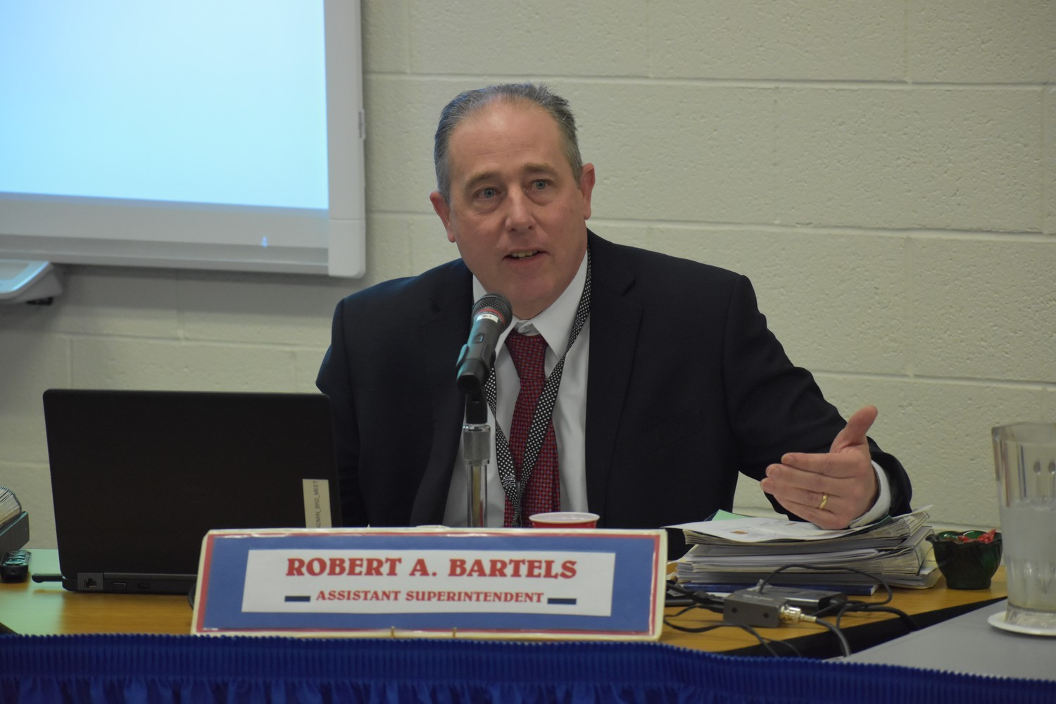 Robert Bartels, assistant superintendent of business and personnel, said the Rockville Centre School District's lunch program is not loss-making.