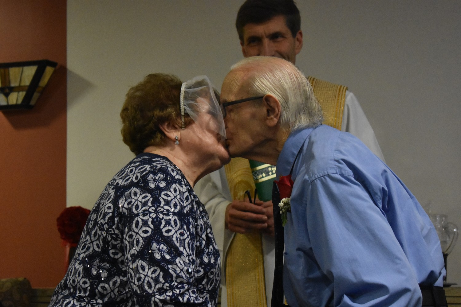 Joe and Florence sealed the ceremony with a kiss.