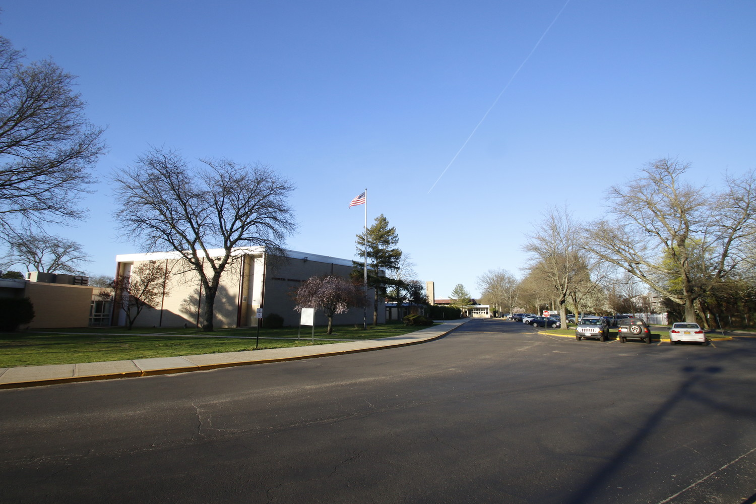 parents voice concerns about traffic outside north shore high school