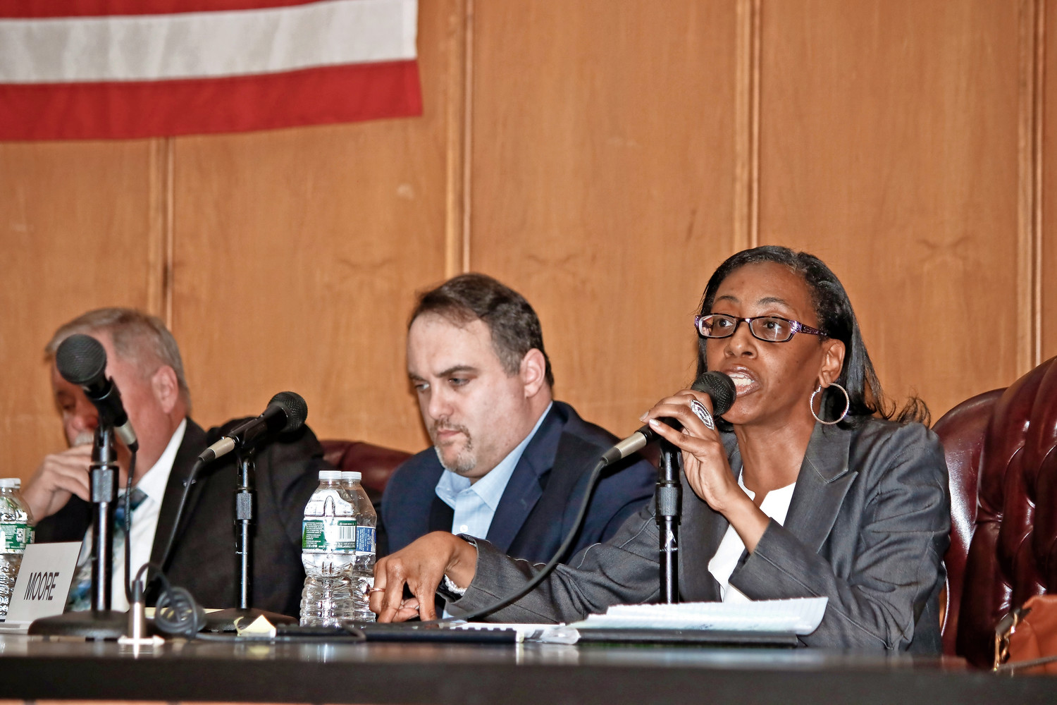 City Councilman Scott Mandel, center, and Councilwoman Anissa Moore at a meeting in May. Council members said that the search for a permanent city manager has progressed in recent weeks.
