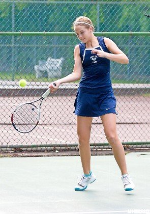 South Side sophomore Lauren Zola is undefeated thus far in 2018 while splitting matches at No. 1 and 2 singles.
