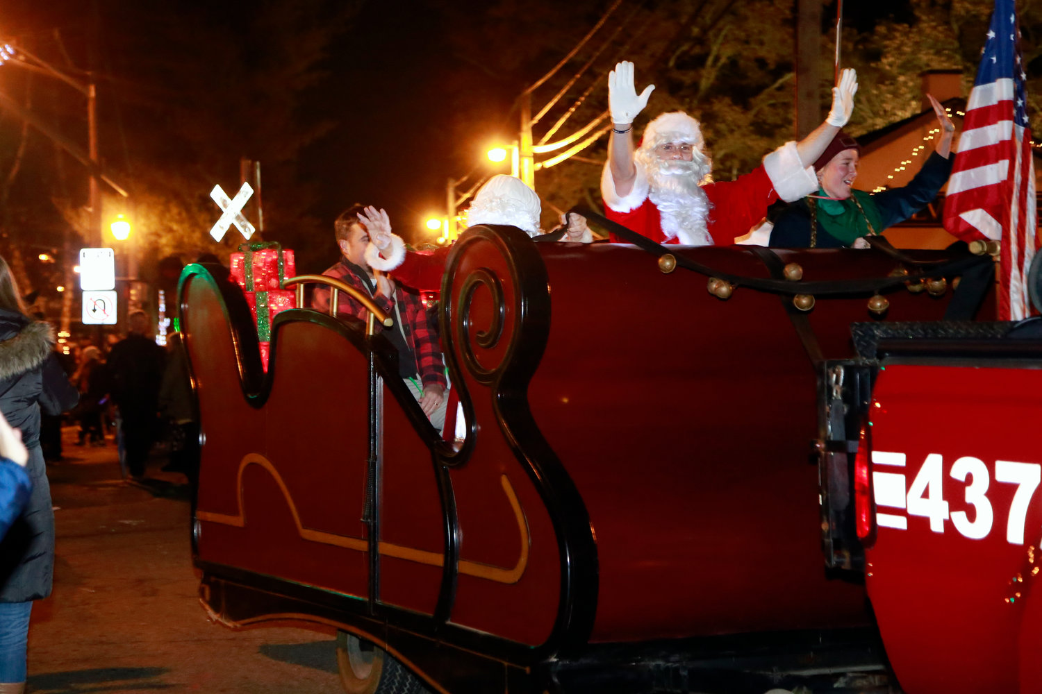Santa Claus came to Malverne on his sleigh just in time for the village's tree lighting last Saturday.
