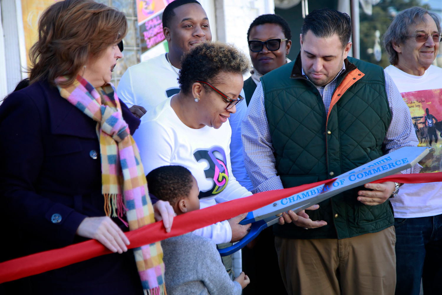Dr. Zodelia Williams, Founder/Executive Director, cuts the ribbon on 3D's Empowerment Center.