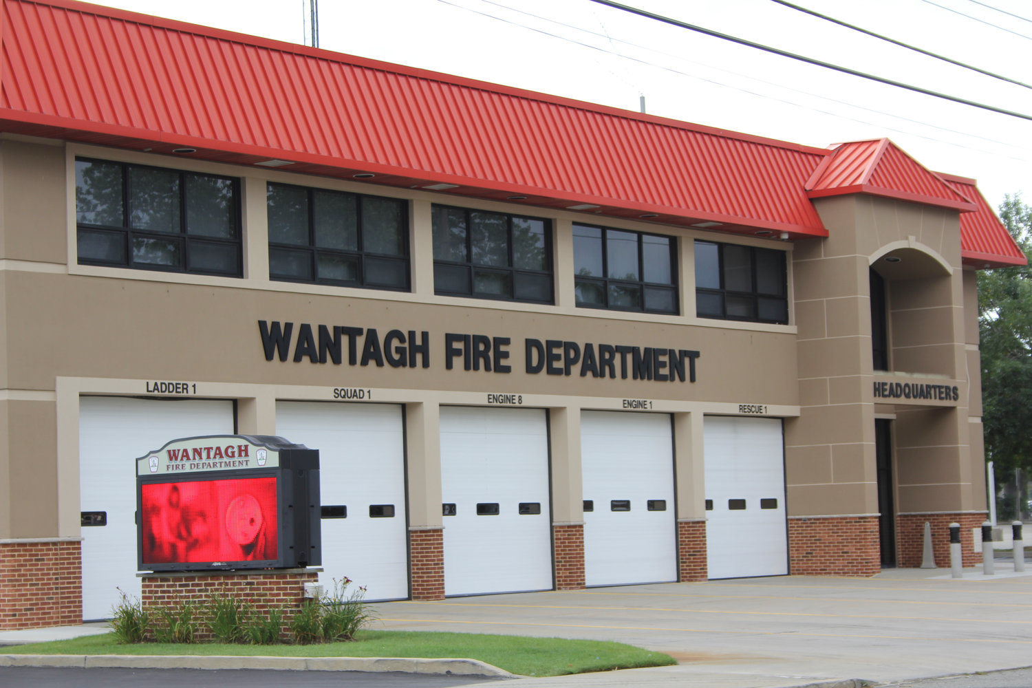 About 100 people gathered at the Wantagh Fire Department on Nov. 29 to hear Police Commissioner Patrick Ryder and his colleagues discuss Nassau County's fight against opioid abuse.