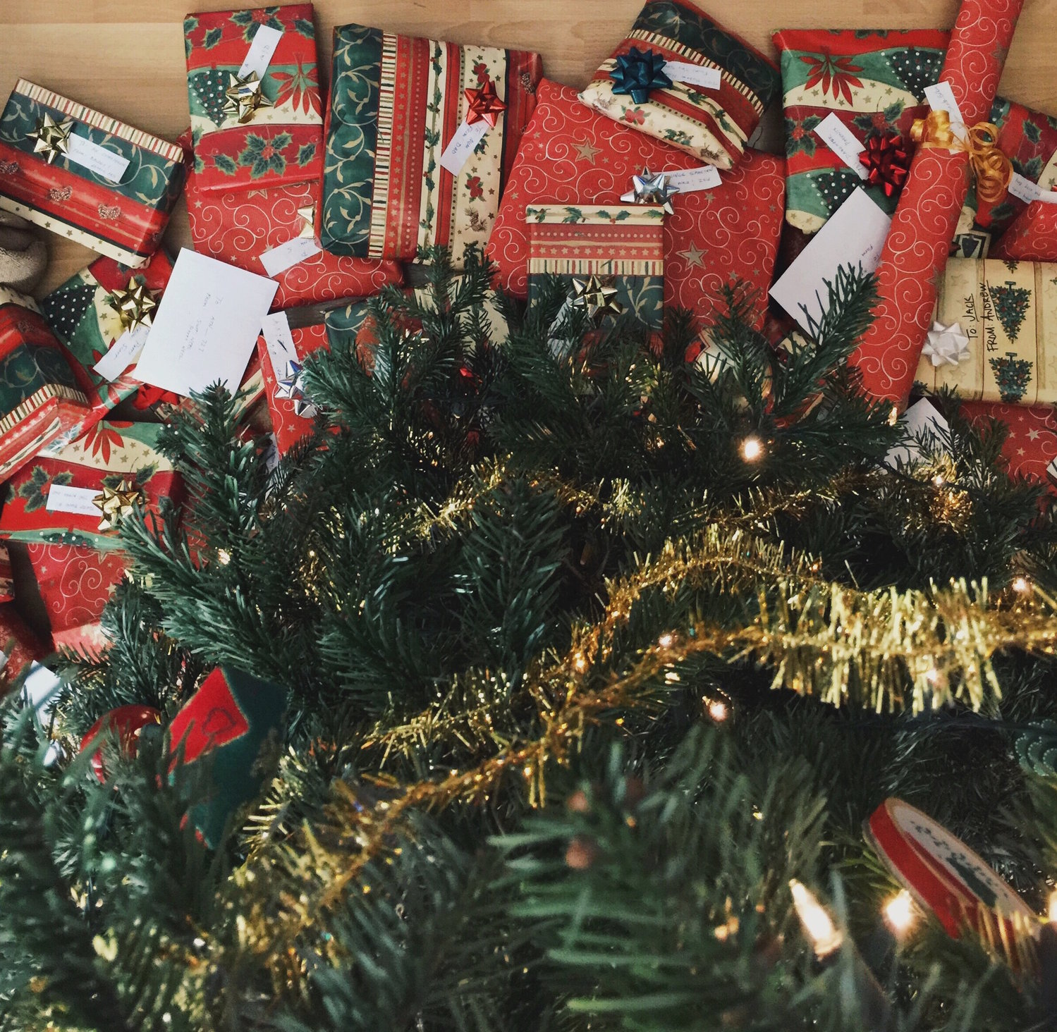 Calling all \'elves\' to help collect Christmas gifts | Herald ...