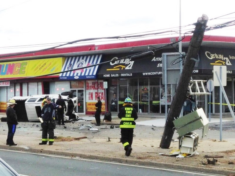 EMFD aids Hempstead Turnpike accident | Herald Community Newspapers