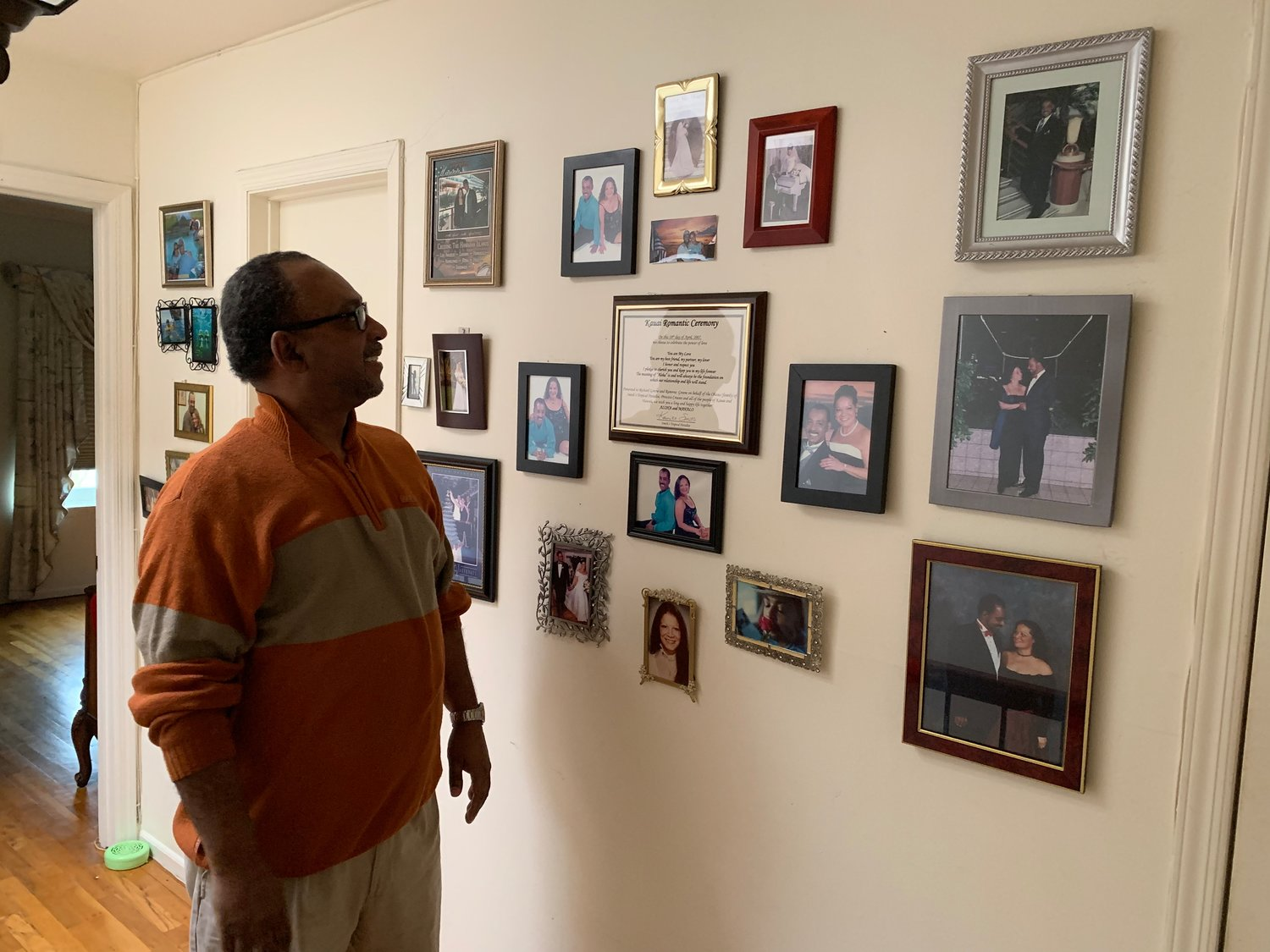 Richard Greene and Ramona Bobe-Greene decorated their home with photos and artwork so they could reminisce about their lives together.