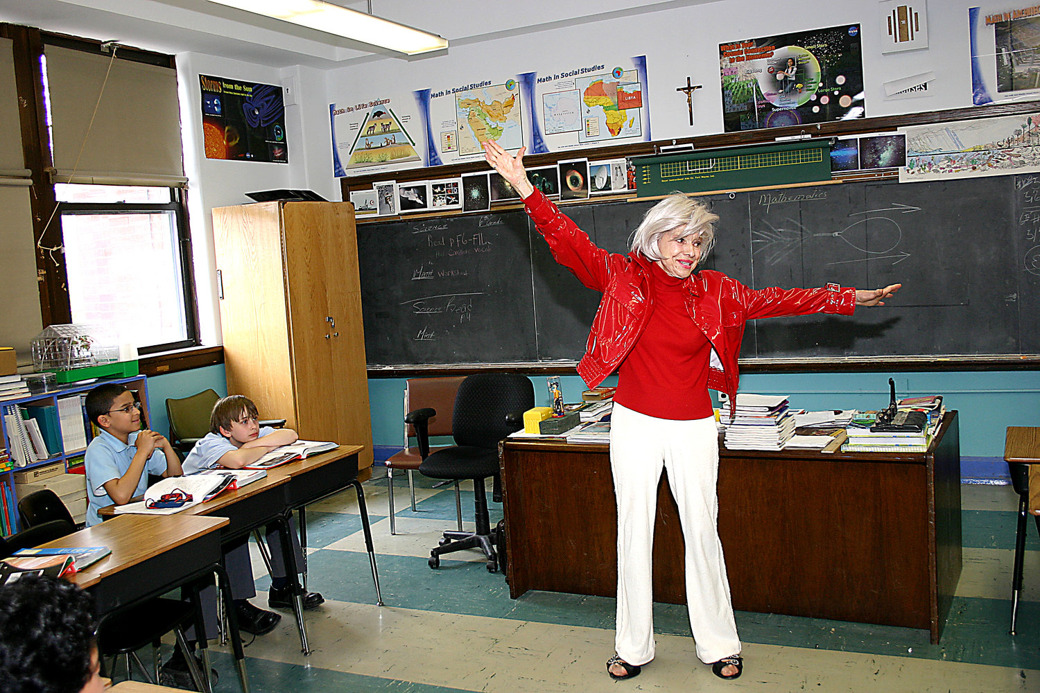 On May 7, 2004, Carol Channing visited the De La Salle School students after performing at fundraiser for the school.