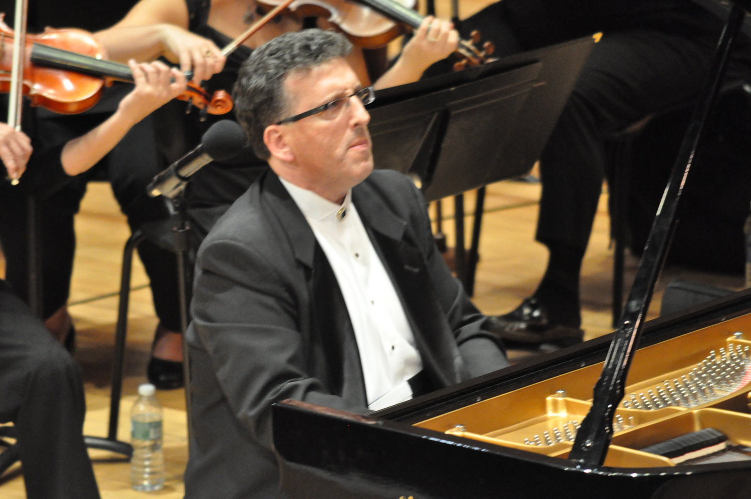 Jeffrey Biegel joins the South Shore Symphony Orchestra for their performance at the Madison Theatre on Feb. 9.