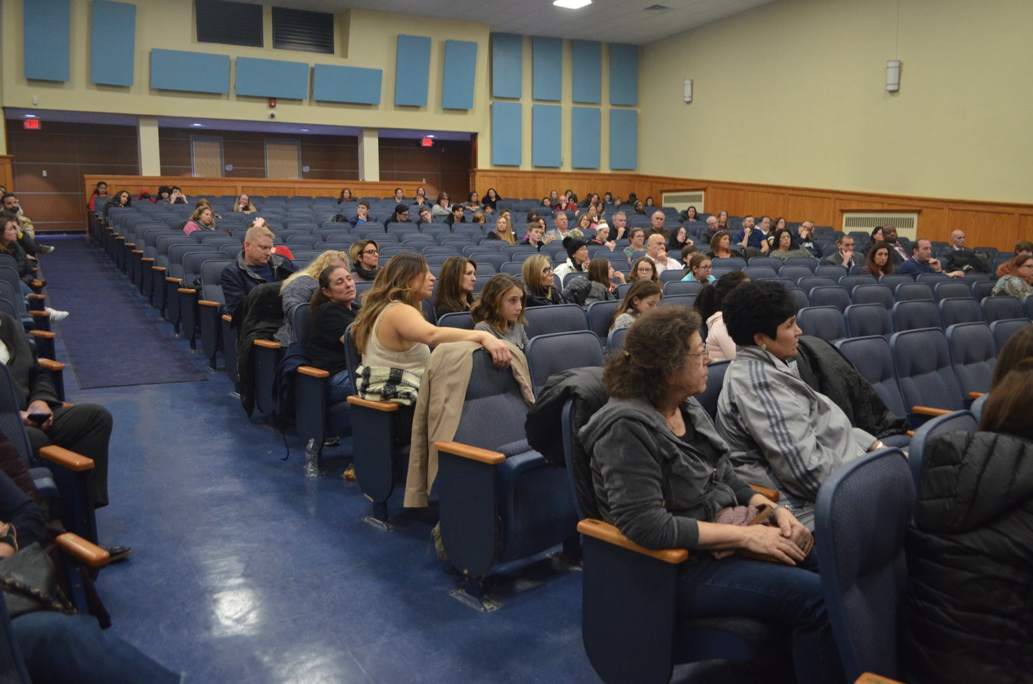Local residents made their way to the middle school to hear Dewey discuss the facts about vaping.