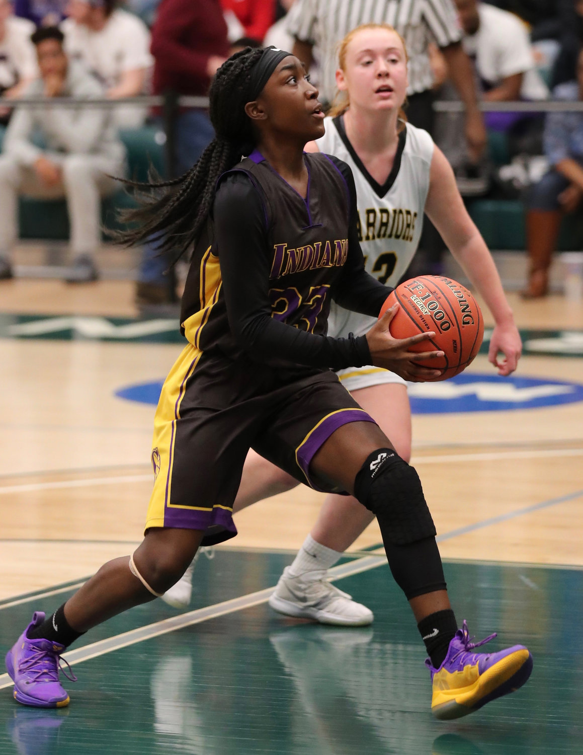 Sewanhaka senior Carly Bolivar dazzled in last Sunday's Nassau Class A final, scoring a game-high 26 points to lead a 62-46 win over Wantagh at Farmingdale State College.