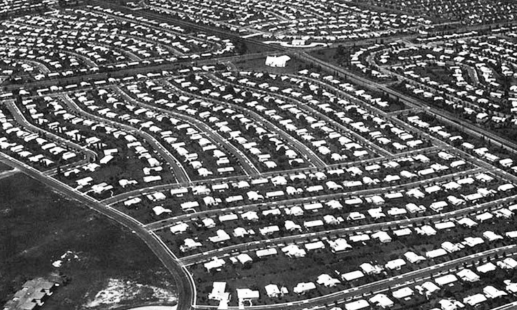 Nassau County was just beginning its suburban growth when the Meinkes moved to Seaford from Brooklyn in 1949.