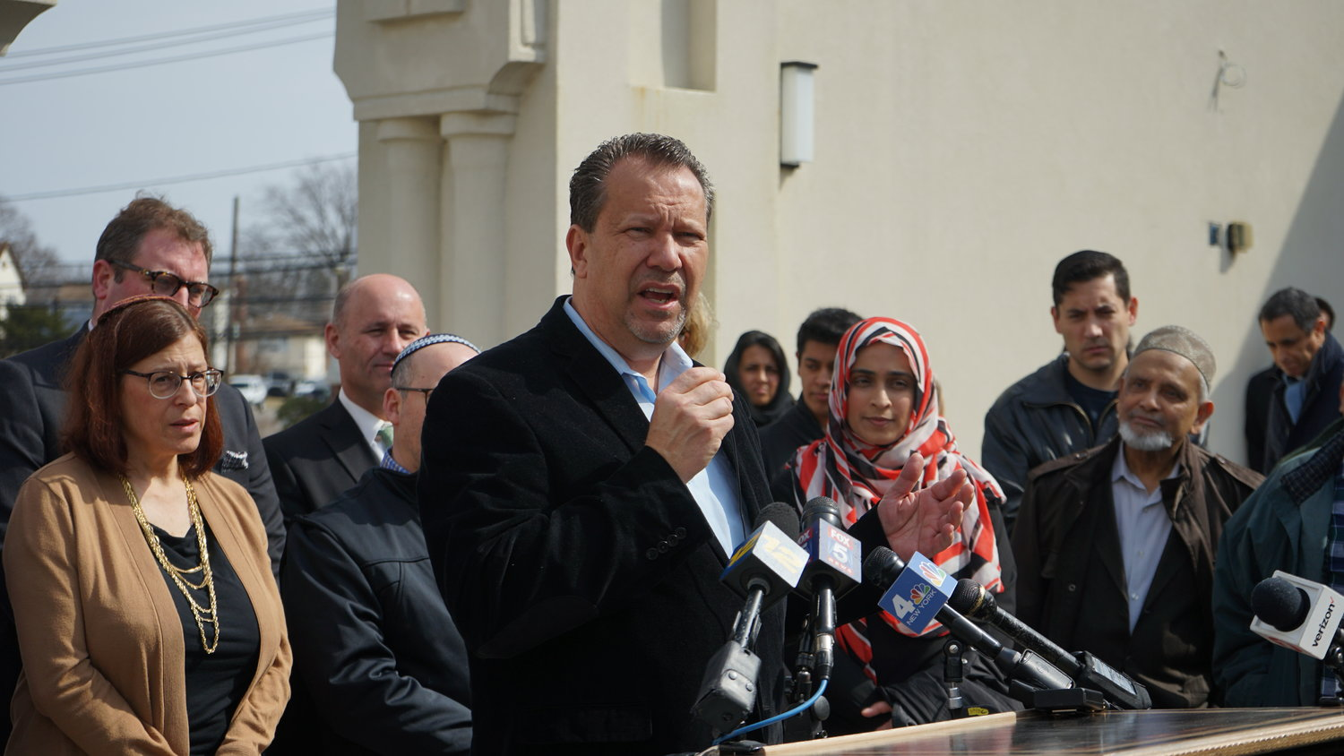 Valley Stream Mayor Ed Fare spoke of how welcoming the Muslim community in his neighborhood has been to him.