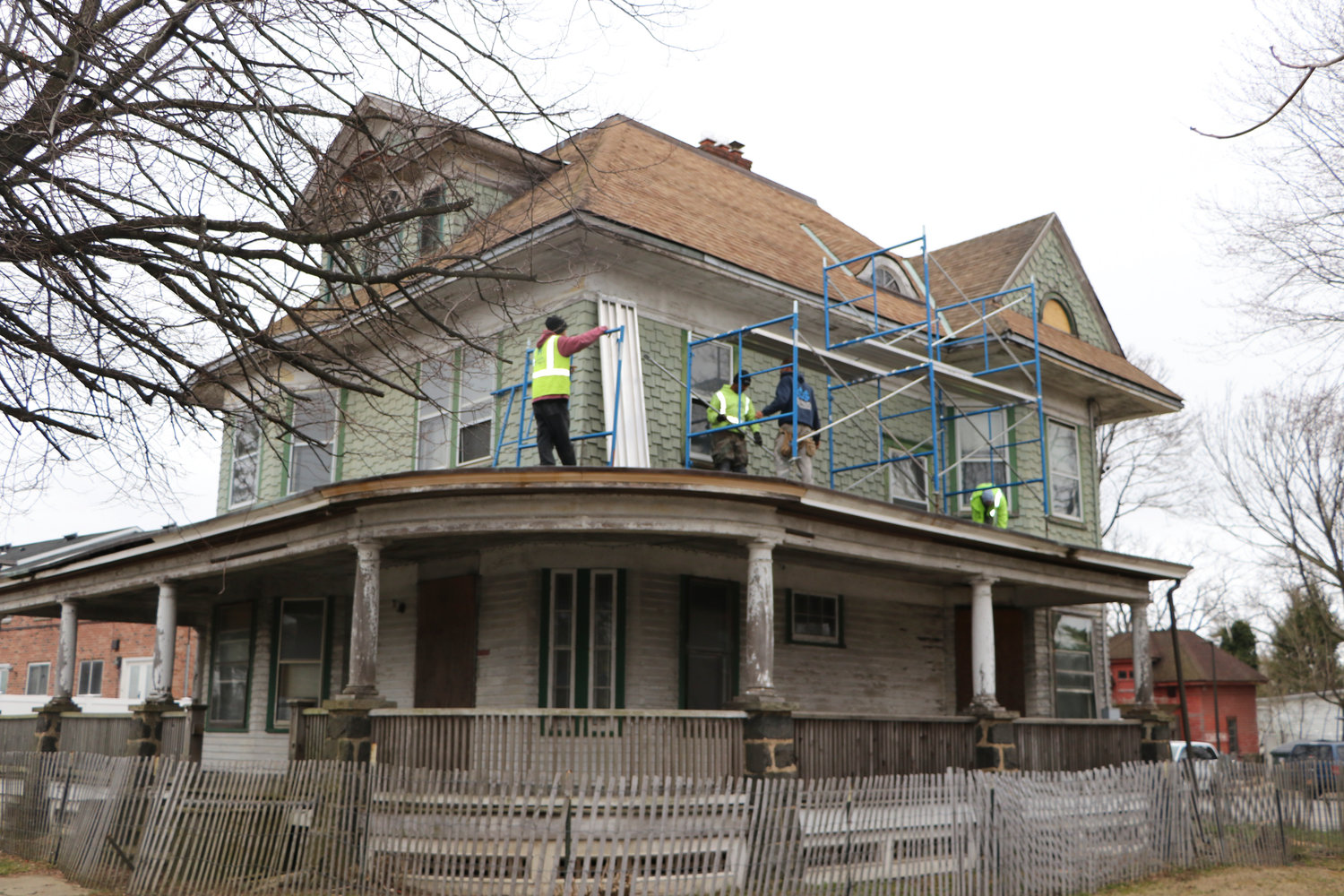 The Merrick Road structure has been in disrepair for many years, but may soon become a community center for Baldwin groups.