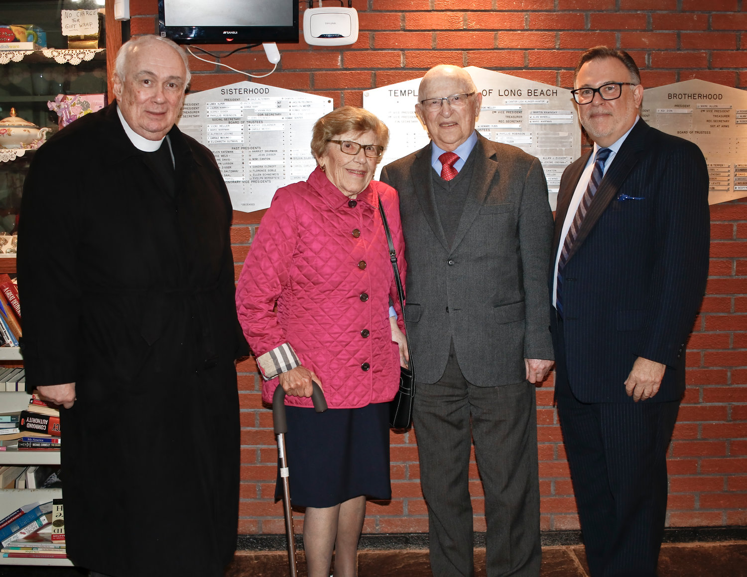 Local Holocaust survivor Simon Berger spoke to a crowd of people at Temple Emanu-El of Long Beach on May 5 for the annual Yom Hashoah program.