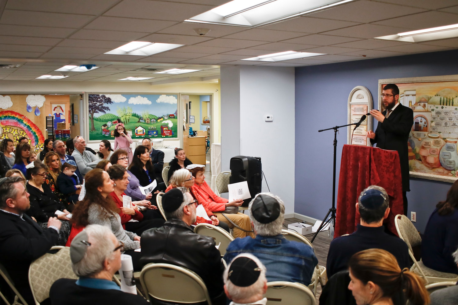 On May 3, the Chabad Center for Jewish Life hosted a candle-lighting ceremony in honor of Lori Kaye.