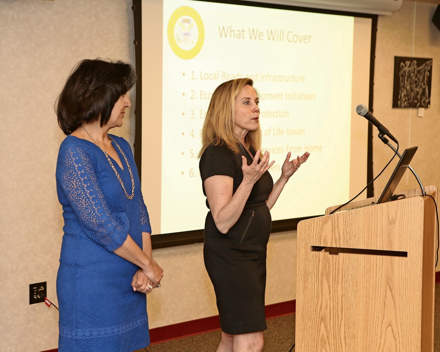 Town of Hempstead Supervisor Laura Gillen, right, and Town Clerk Sylvia Cabana delivered a presentation to residents at the Rockville Centre Public Library on May 16.