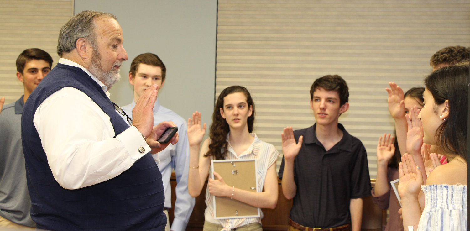 Rockville Centre Mayor Francis X. Murray installed student officers and chairpeople.