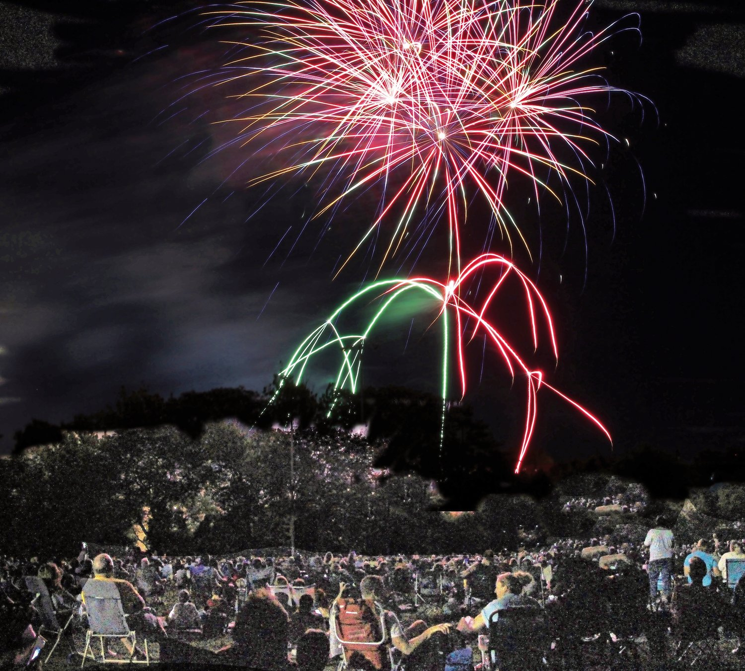 Mill River Park was full of community members watching the Rockville Center Fireworks