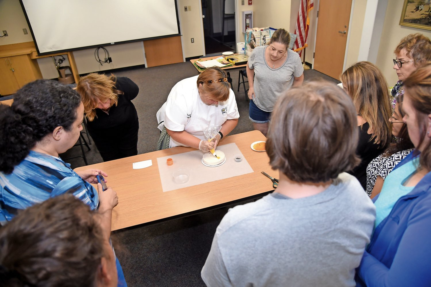 Chef Mary Sydor demonstrated cake decorating techniques at a class at the Franklin Square Public Library on Aug. 15.