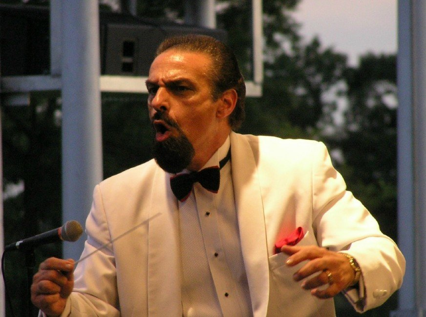 Dean Karahalis leads his Concert Pops in a rousing concert at Eisenhower Park's Lakeside Theatre on Aug.23.