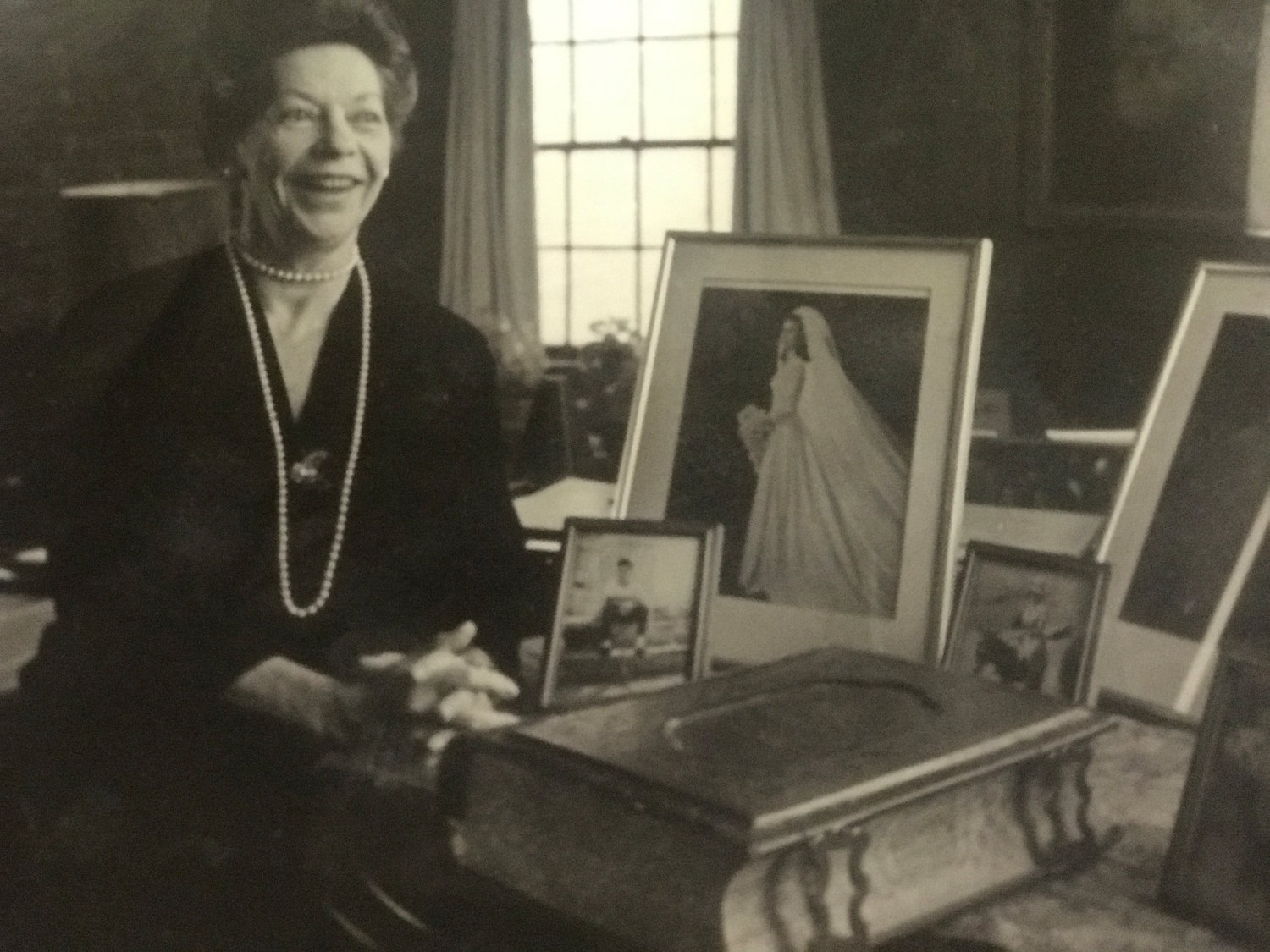 Carol Hill Lamb displayed the Lincoln Bible on the piano in her Oyster Bay Cove home until her death in 1994. This photo was taken in 1984.
