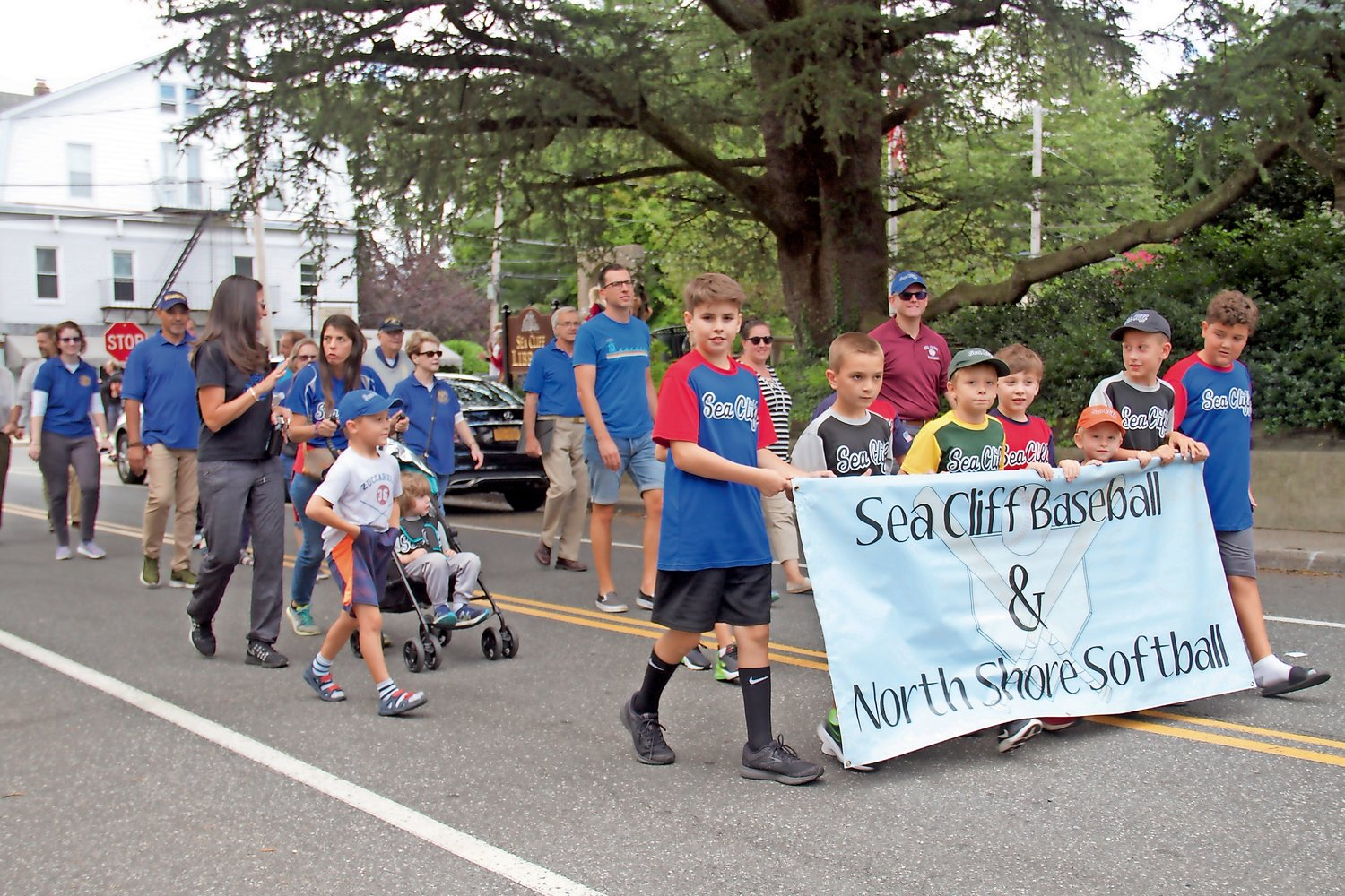 The Sea Cliff Baseball and North Shore Softball teams were among the marchers.