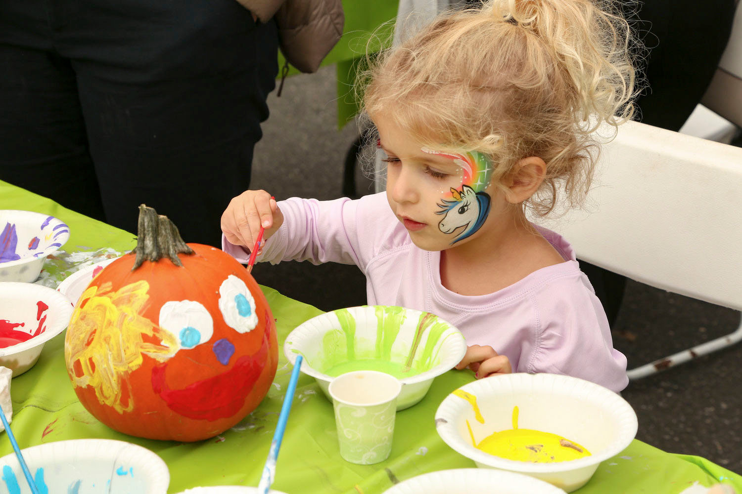 Dalia Madjour showed off her artistic abilities by painting a pumpkin at the 2018 Arts Below Sunrise Music & STEAM festival.