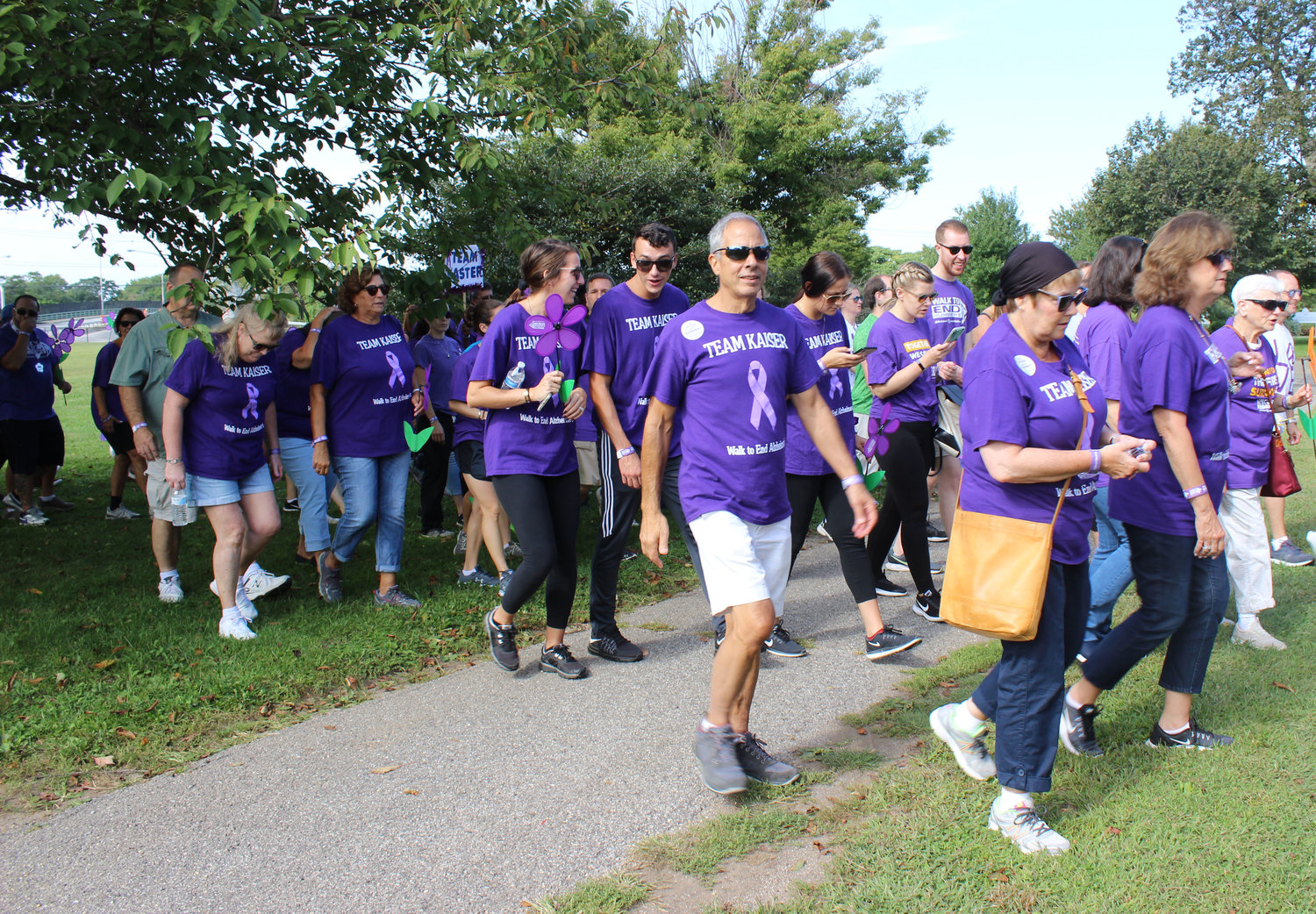 The event drew 875 participants and 128 teams, all walking to fund research for a cure and provide services for those living with the disease and their caregivers.