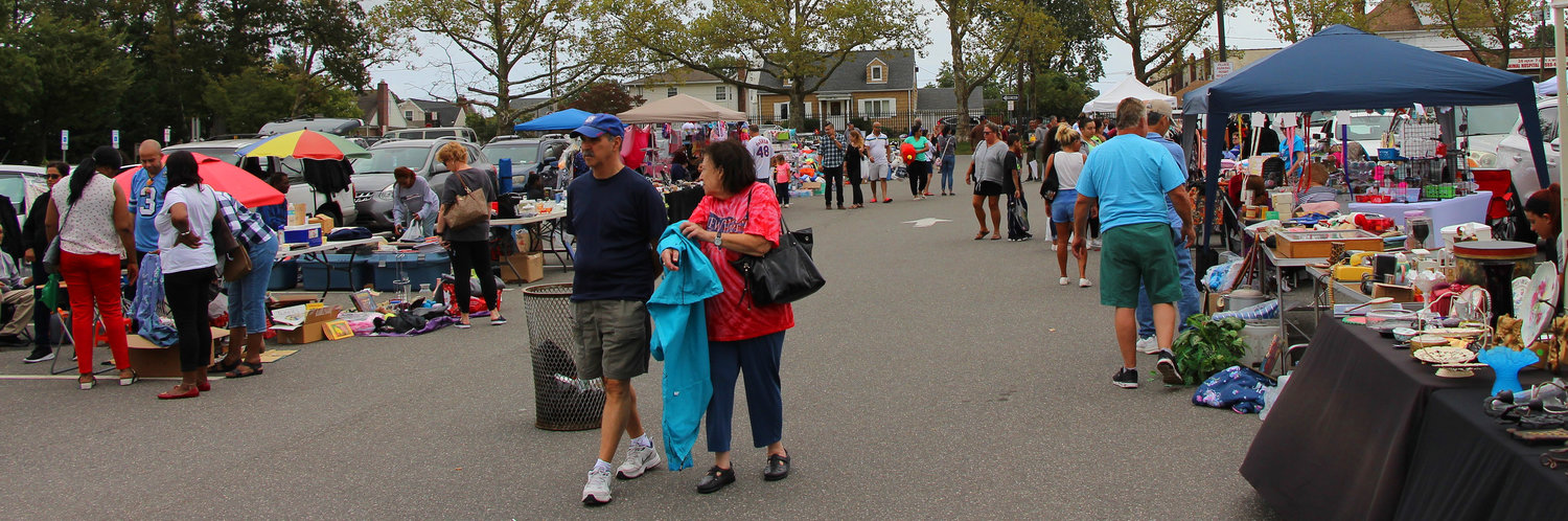 Hundreds of shoppers flocked to the Hendrickson Park Pool parking lot on Sept. 14 for the 26th annual Valley Stream Lions Club flea market.