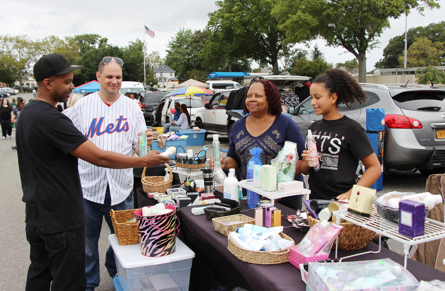 The Yard family, Kareem, Arielle and Adel, sold beauty products to Danny Samuels.