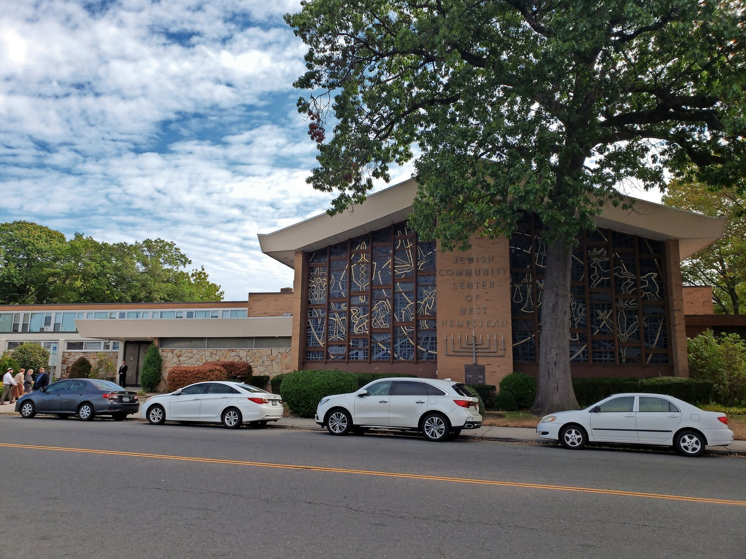 The Congregation Shaaray Shalom building in West Hempstead has housed the Temple B'Nai Israel congregation since December.
