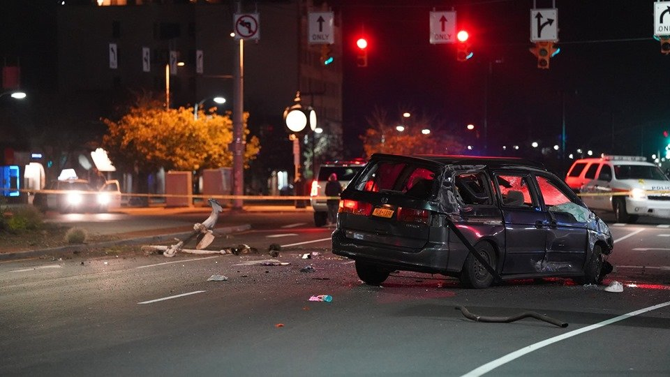 The driver of a minivan was arrested after crashing into the median at the intersection of Long Beach Boulevard and East Park Avenue following a brief police chase.